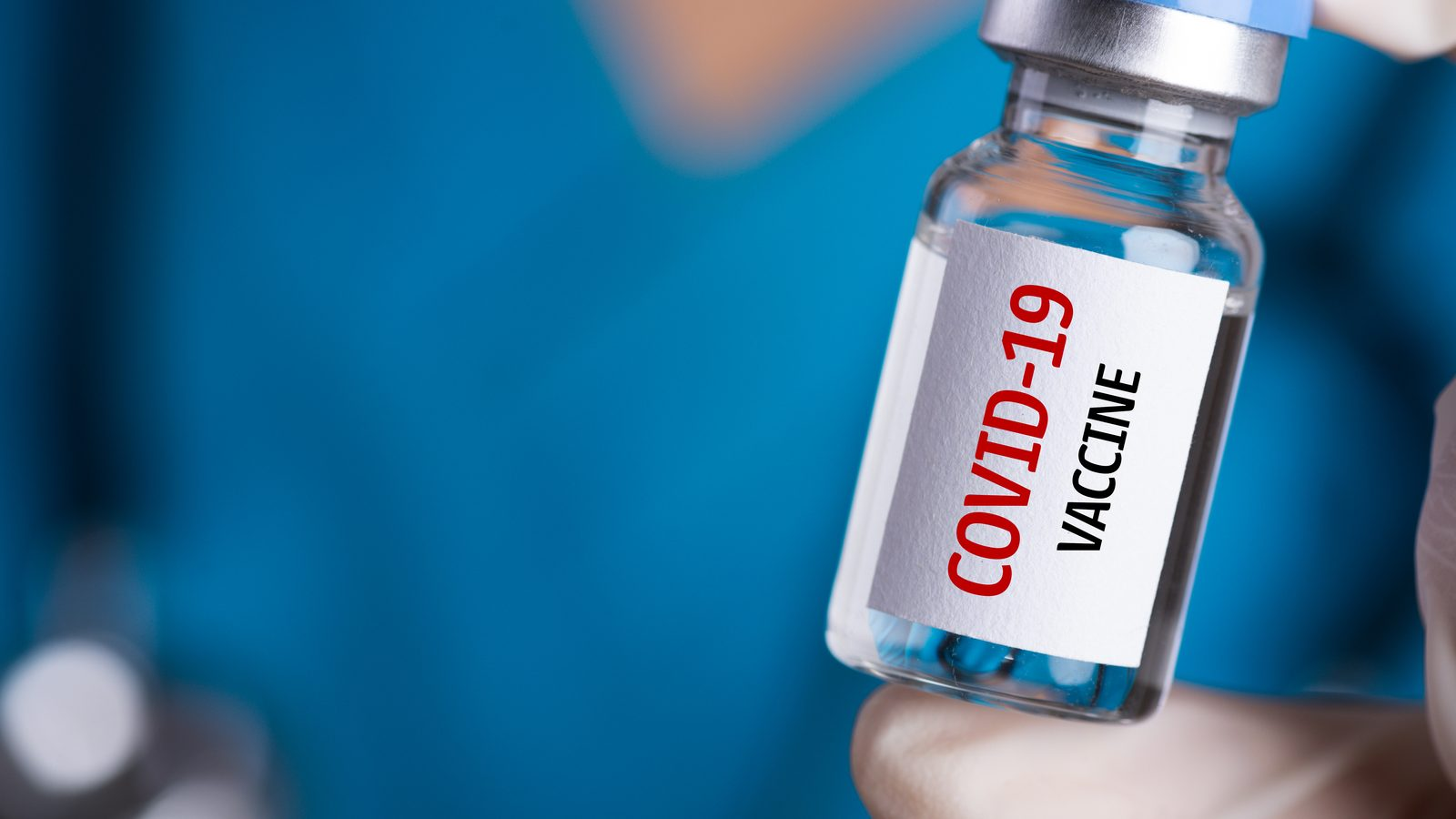 Over 200 Queen's University medical students volunteer to administer COVID-19 vaccines