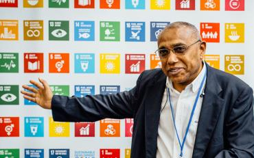 Mr Makni and SDG sign